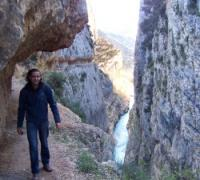 Paso excavado del desfiladero de Mont-rebei